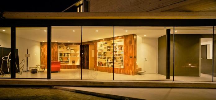 singular-crossed-house-in-la-alcayna-by-clavel-arquitectos-04