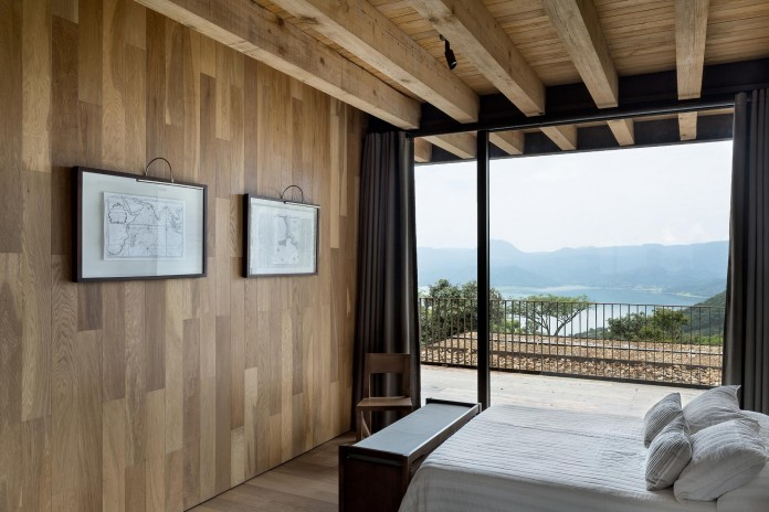 tucan-house-sits-on-top-of-a-hill-of-valle-de-bravo-designed-by-taller-hector-barroso-13