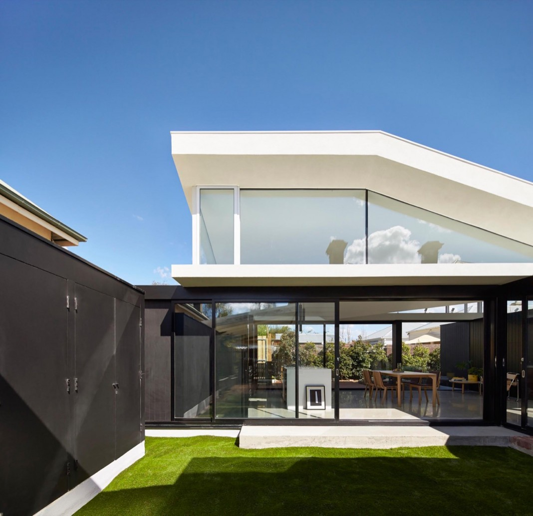 Tunnel house a renovation of a double fronted cottage in melbourne by mo do caandesign - The chapel cottage historic vestige in contemporary lines ...