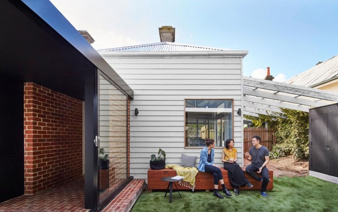 tunnel-house-a-renovation-of-a-double-fronted-cottage-in-melbourne-by-mo-do-06