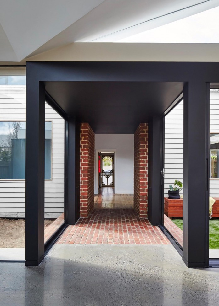 tunnel-house-a-renovation-of-a-double-fronted-cottage-in-melbourne-by-mo-do-14