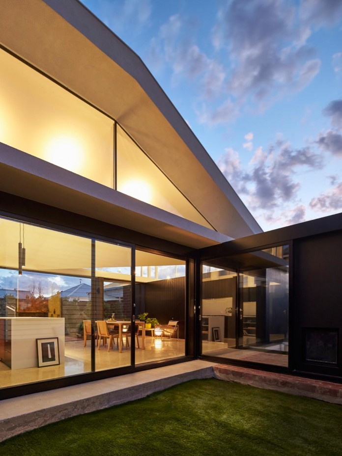 tunnel-house-a-renovation-of-a-double-fronted-cottage-in-melbourne-by-mo-do-19