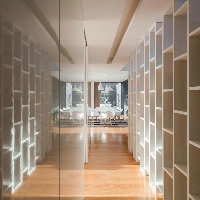 white-touguinho-ii-villa-in-in-vila-do-conde-by-raulino-silva-arquitecto-15
