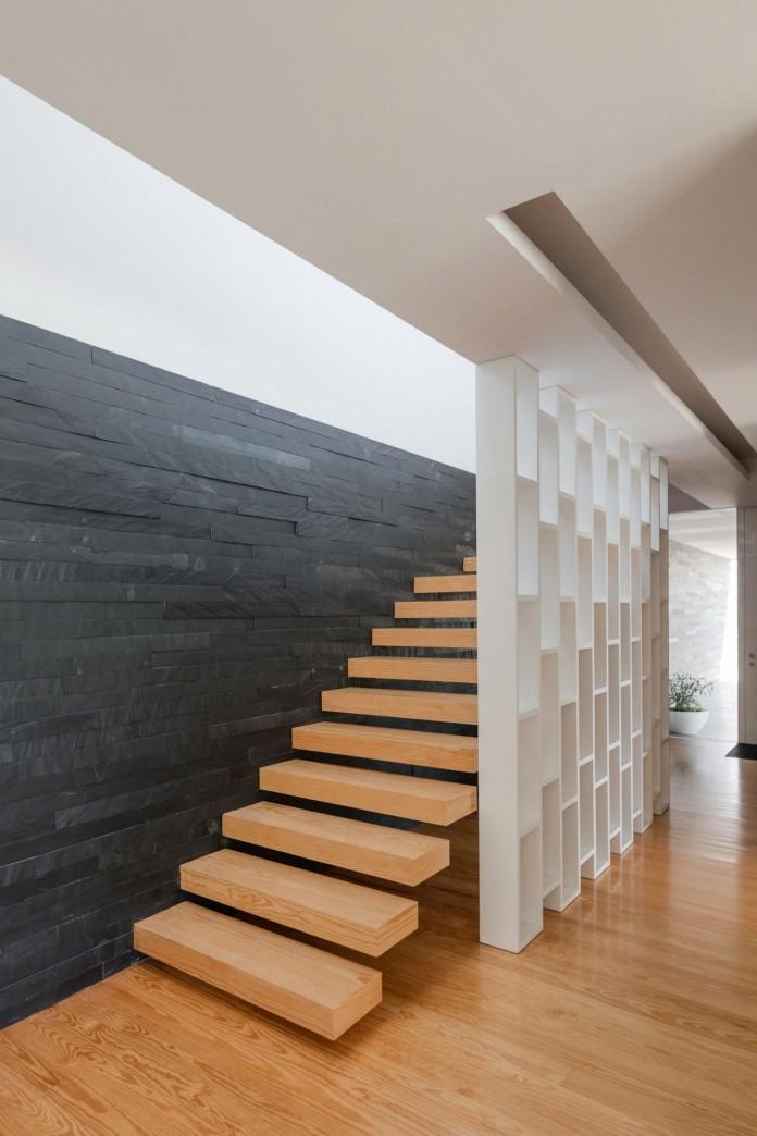 white-touguinho-ii-villa-in-in-vila-do-conde-by-raulino-silva-arquitecto-18