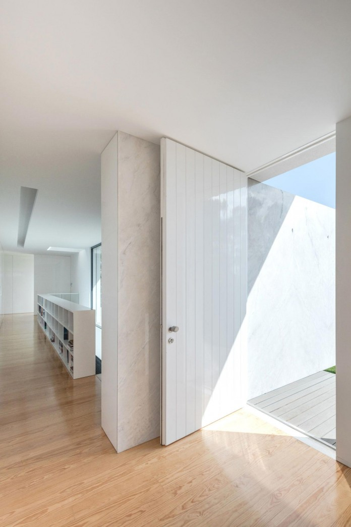 white-touguinho-ii-villa-in-in-vila-do-conde-by-raulino-silva-arquitecto-20