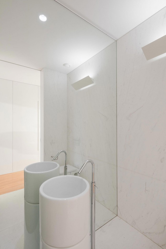 white-touguinho-ii-villa-in-in-vila-do-conde-by-raulino-silva-arquitecto-26
