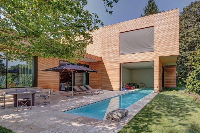 wood-covered-house-u-in-como-italy-by-marco-carini-01