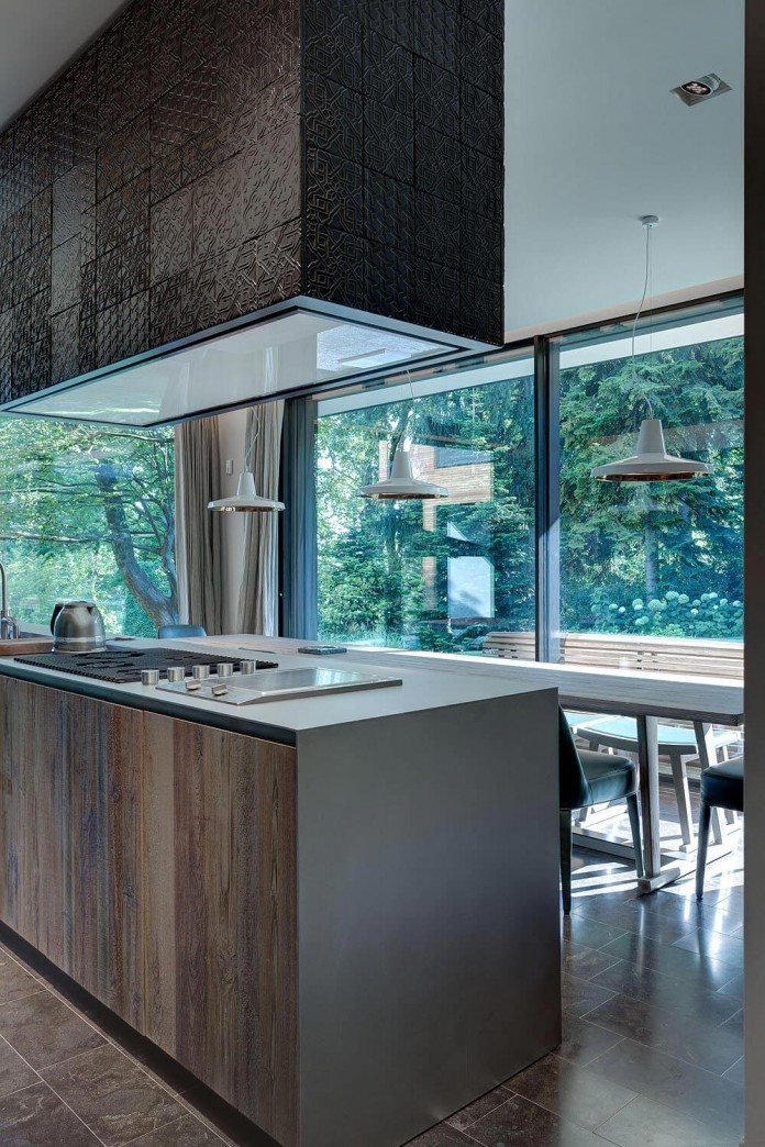 wood-covered-house-u-in-como-italy-by-marco-carini-10