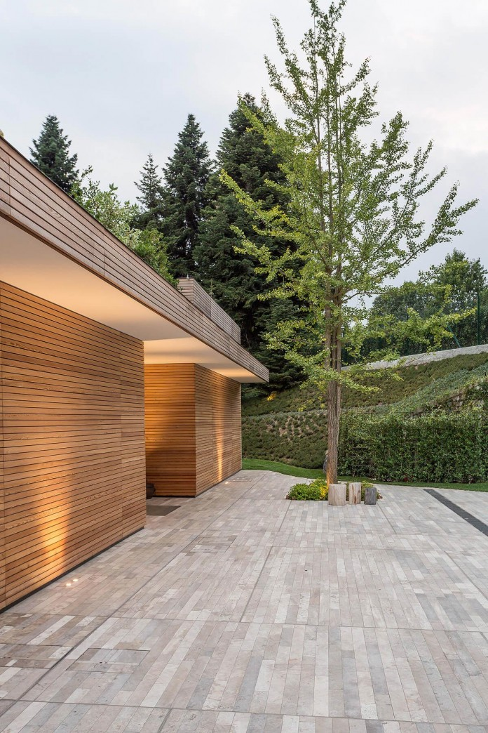 wood-covered-house-u-in-como-italy-by-marco-carini-18