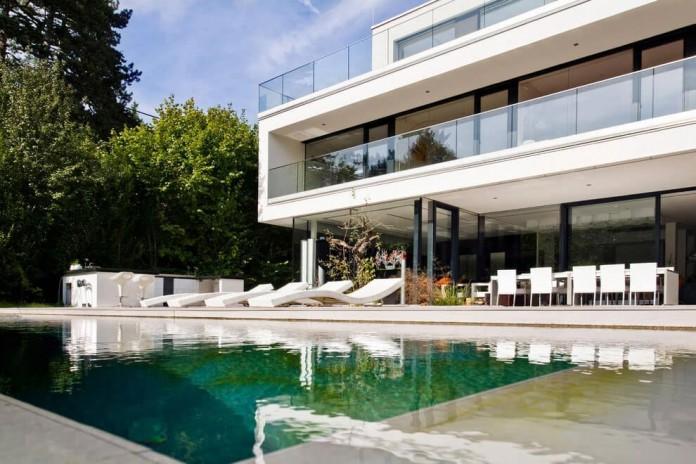 wunschhaus-architektur-designed-a-minimalist-house-in-hinterbruhl-lower-austria-02