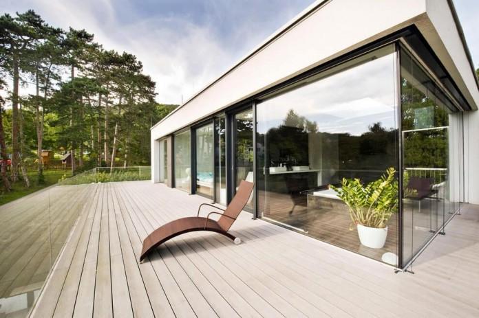 wunschhaus-architektur-designed-a-minimalist-house-in-hinterbruhl-lower-austria-03