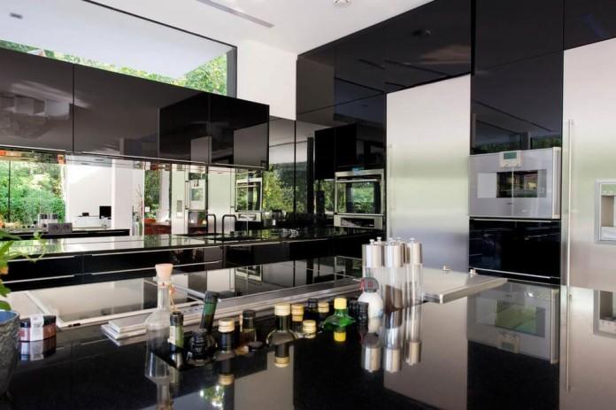 wunschhaus-architektur-designed-a-minimalist-house-in-hinterbruhl-lower-austria-06