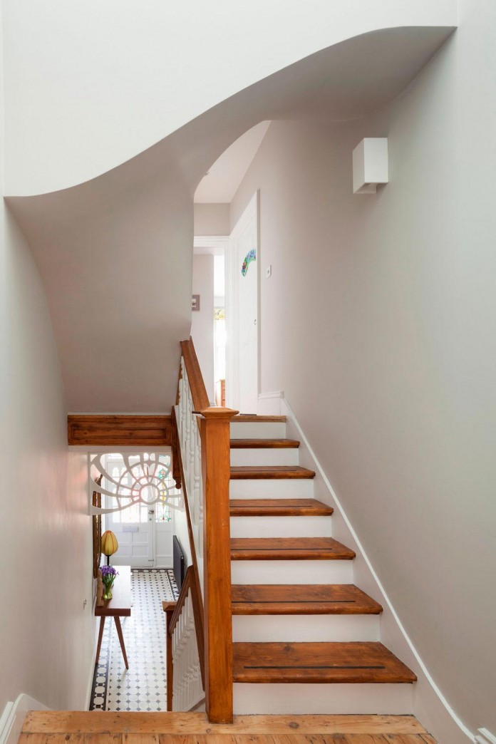 Bright-and-luminous-Cotesbach-Road-Residence-in-London-by-Scenario-Architecture-09