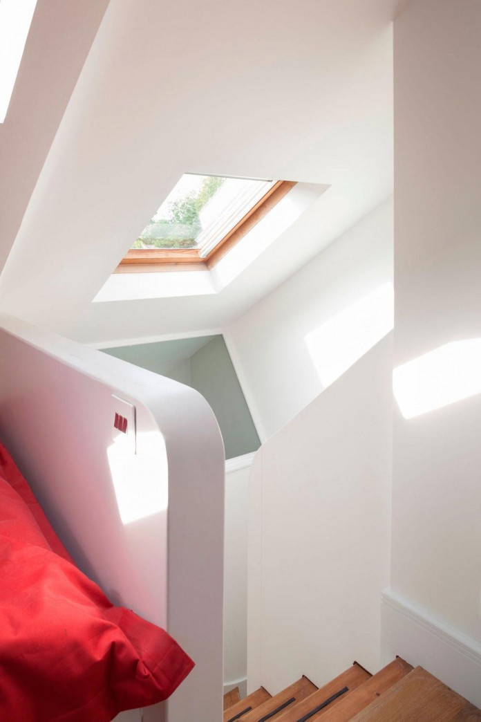 Bright-and-luminous-Cotesbach-Road-Residence-in-London-by-Scenario-Architecture-11