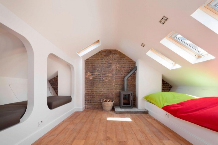 Bright-and-luminous-Cotesbach-Road-Residence-in-London-by-Scenario-Architecture-13