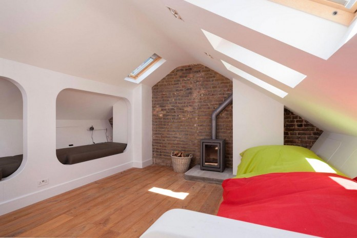 Bright-and-luminous-Cotesbach-Road-Residence-in-London-by-Scenario-Architecture-14