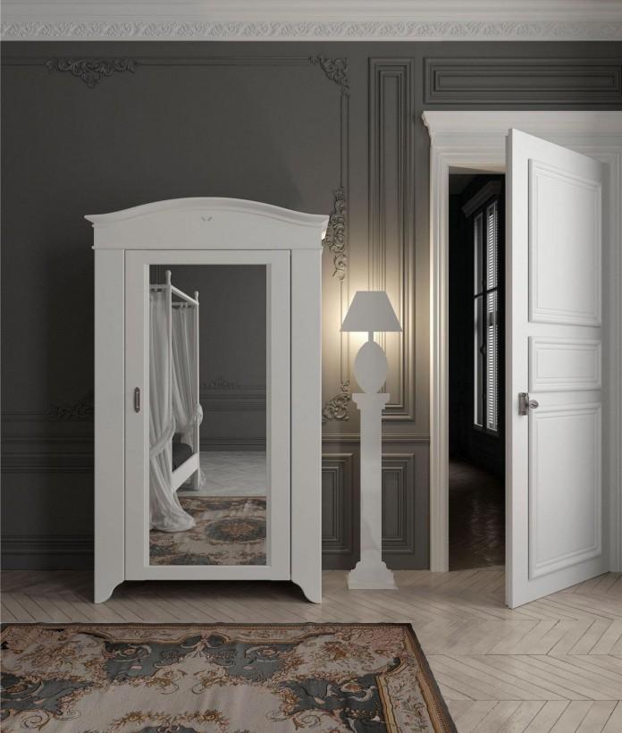 Chic-Classic-Apartment-in-Paris-by-Minacciolo-11