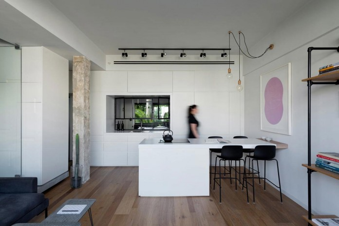 Clean-and-Minimal-Renovation-of-a-Small-Tel-Aviv-Apartment-03
