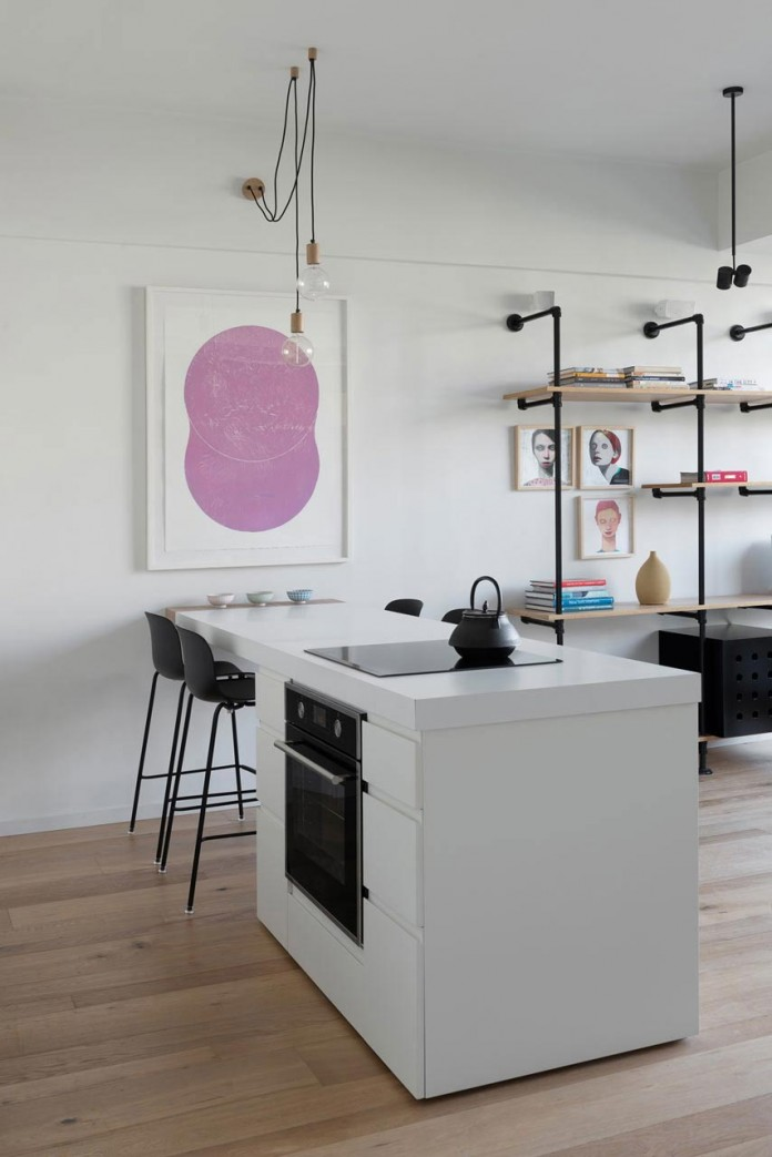 Clean-and-Minimal-Renovation-of-a-Small-Tel-Aviv-Apartment-06