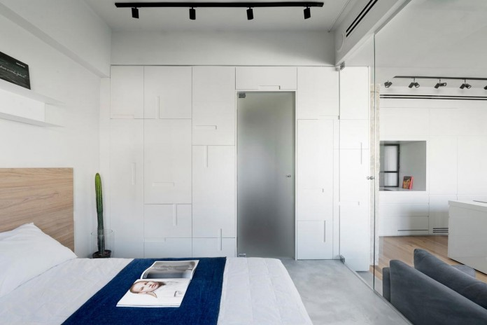 Clean-and-Minimal-Renovation-of-a-Small-Tel-Aviv-Apartment-07