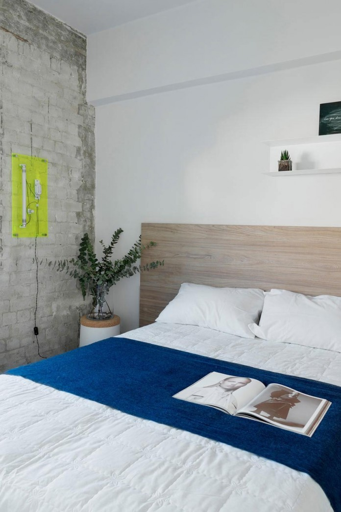 Clean-and-Minimal-Renovation-of-a-Small-Tel-Aviv-Apartment-09