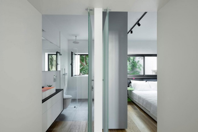 Clean-and-Minimal-Renovation-of-a-Small-Tel-Aviv-Apartment-10