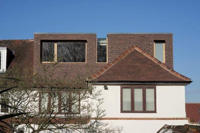Finchley-Loft-near-London-by-Satish-Jassal-Architects-03