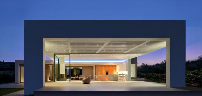 Mediterranean-Modern-House-in-Zakynthos-by-Katerina-Valsamaki-Architects-01