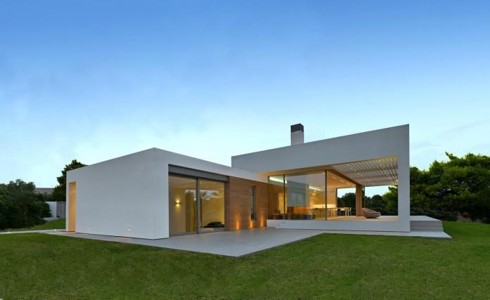 Mediterranean-Modern-House-in-Zakynthos-by-Katerina-Valsamaki-Architects-06