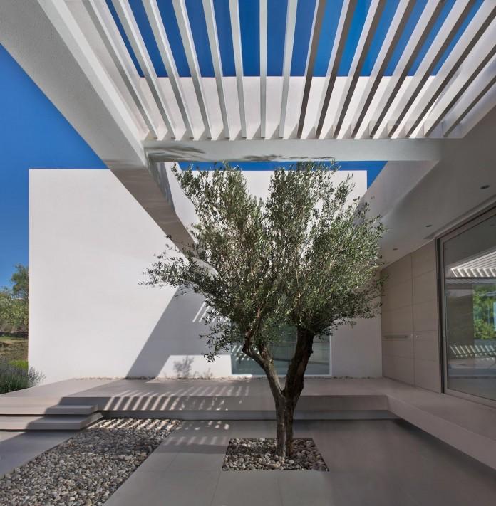 Mediterranean-Modern-House-in-Zakynthos-by-Katerina-Valsamaki-Architects-17