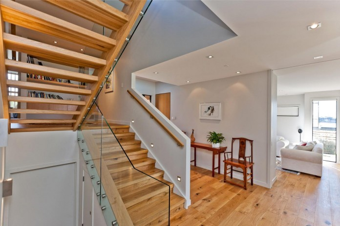 Modern-Sea-View-Rothesay-Bay-Home-by-Creative-Arch-08