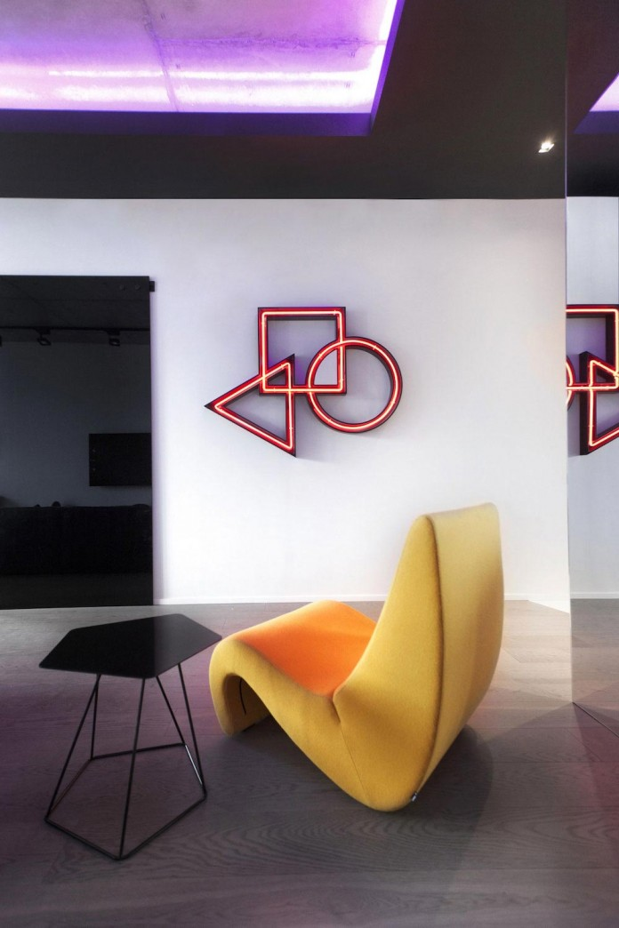 Neon-Grunwald-Apartment-in-Moscow-by-Geometrix-Design-03