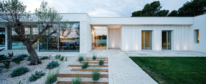 One-Story-Thomsen-House-by-Costa-Calsamiglia-Arquitecte-19