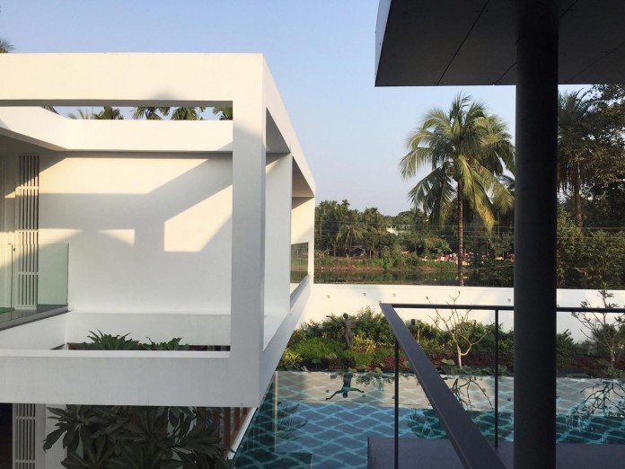 Pool-House-Set-amidst-lush-greens-of-rural-Bengal-by-Abin-Design-Studio-01