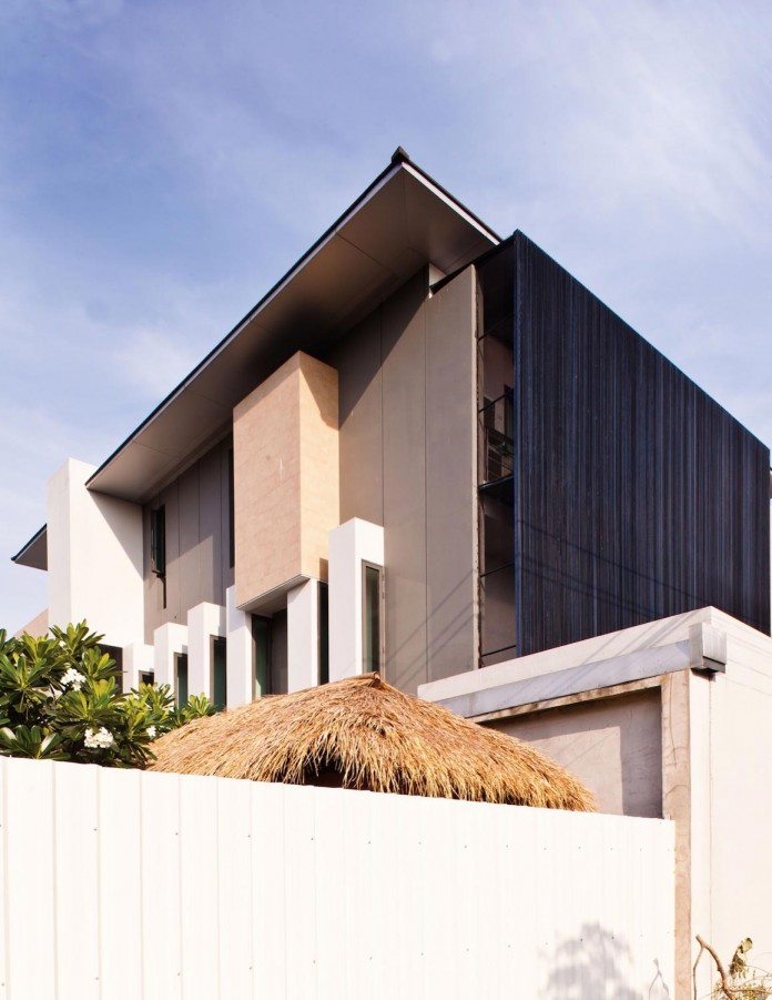Sammakorn-House-in-Bangkok-by-Archimontage-Design-Fields-Sophisticated-01
