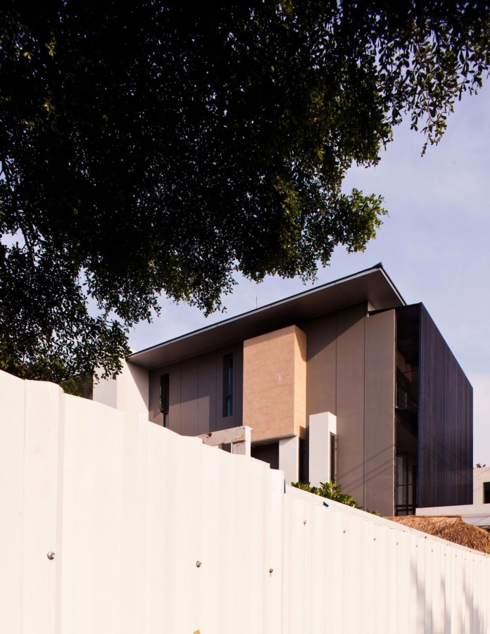 Sammakorn-House-in-Bangkok-by-Archimontage-Design-Fields-Sophisticated-03