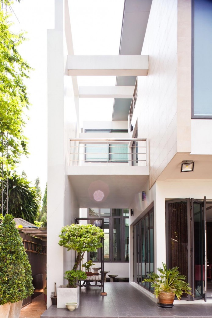 Sammakorn-House-in-Bangkok-by-Archimontage-Design-Fields-Sophisticated-06