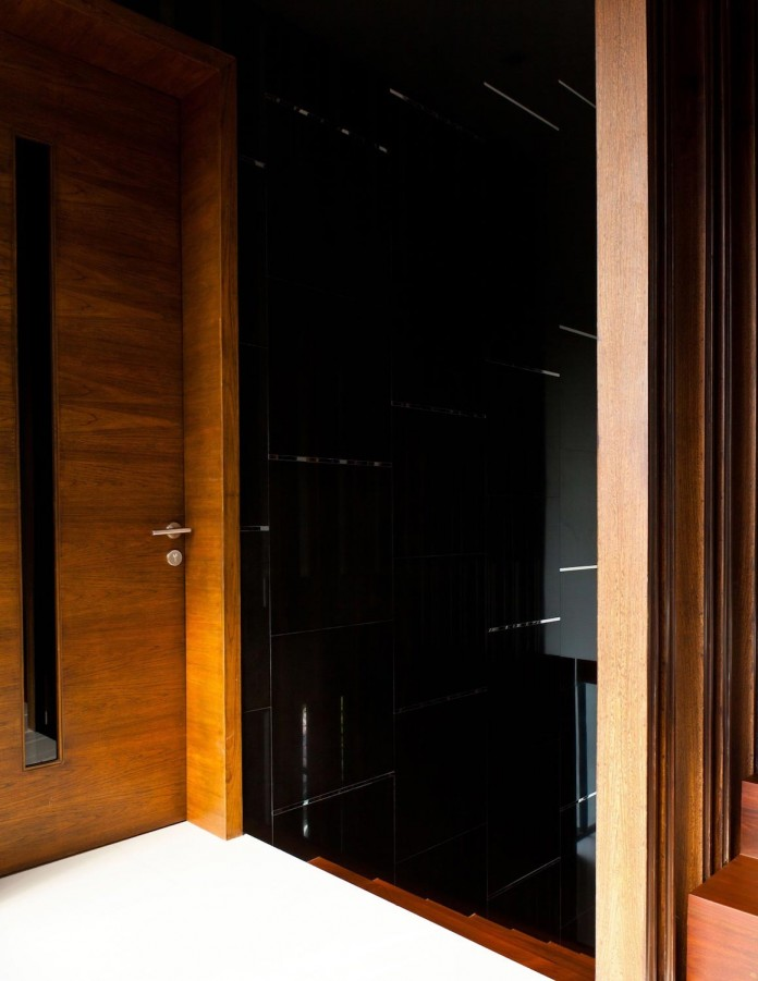 Sammakorn-House-in-Bangkok-by-Archimontage-Design-Fields-Sophisticated-16
