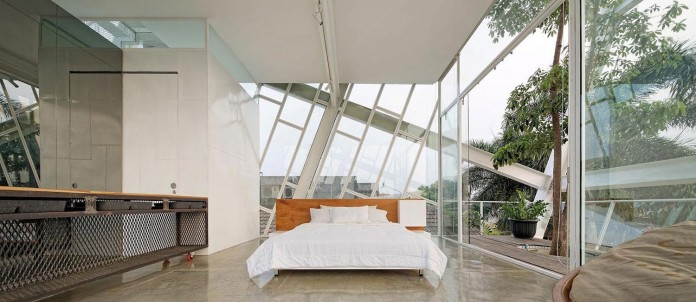 Small-Slanted-House-in-Jakarta-by-Budi-Pradono-Architects-06