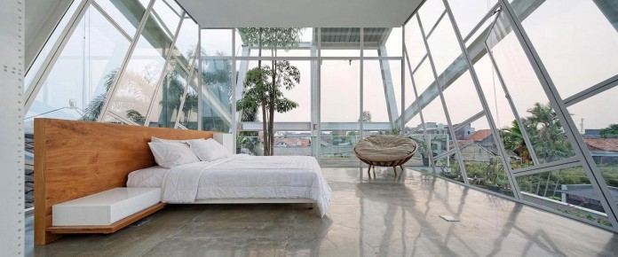 Small-Slanted-House-in-Jakarta-by-Budi-Pradono-Architects-07