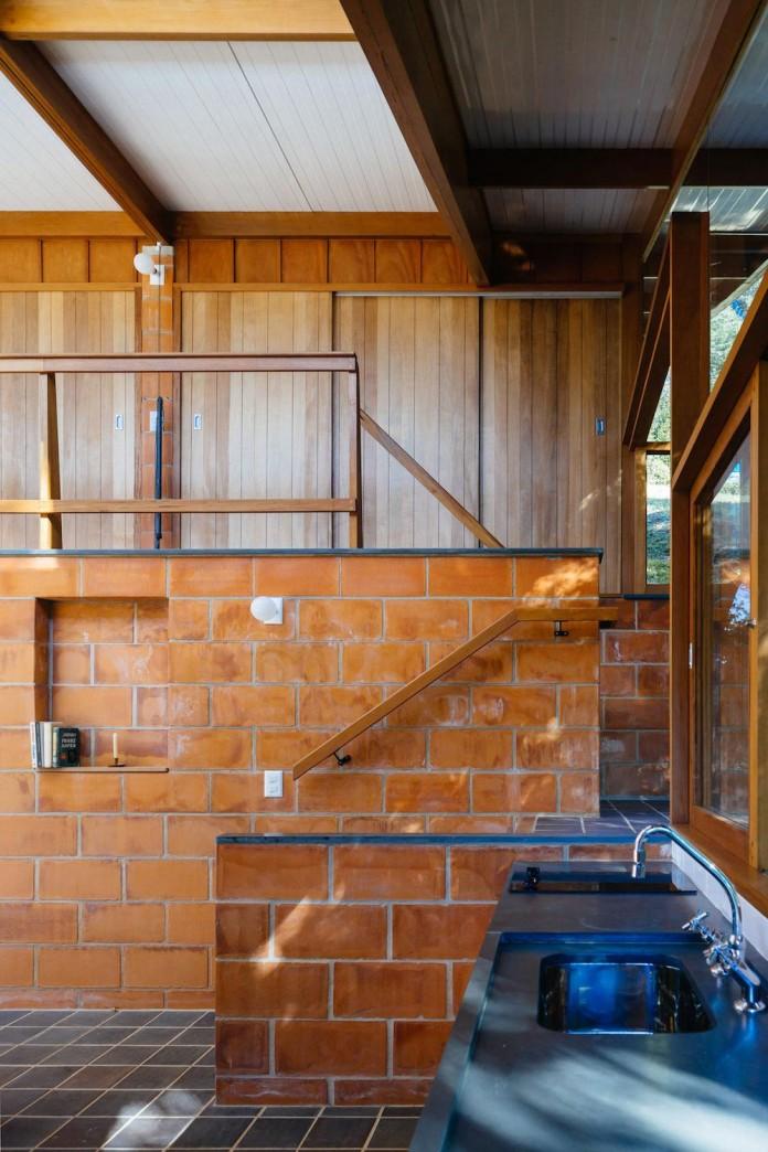 half-slope-house-denis-joelsons-gabriela-barauna-uchida-23
