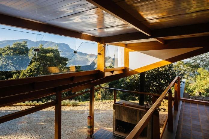 half-slope-house-denis-joelsons-gabriela-barauna-uchida-24