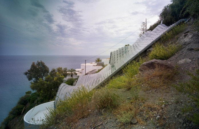 house-on-the-cliff-gilbartolome-architects-05