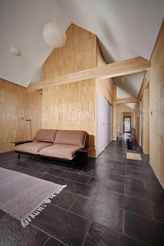 jaro-krobot-design-wooden-brick-house-set-near-forrest-lucatin-slovakia-07
