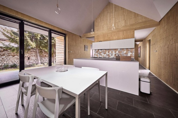 jaro-krobot-design-wooden-brick-house-set-near-forrest-lucatin-slovakia-08