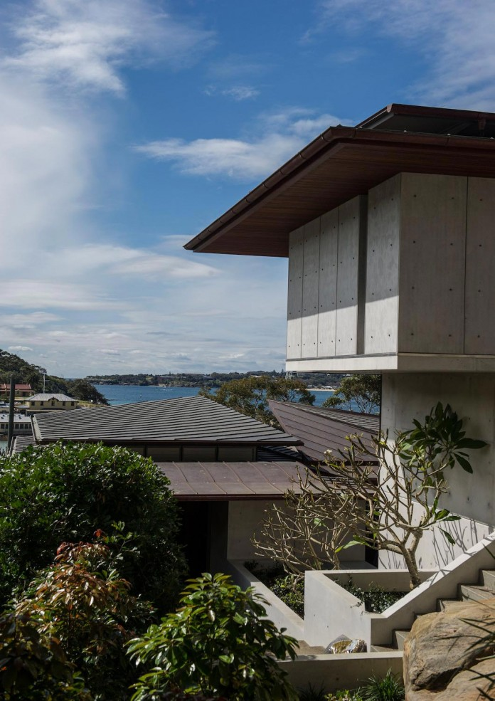 jodies-house-set-dramatic-steeply-sloping-site-views-beach-casey-brown-architects-09