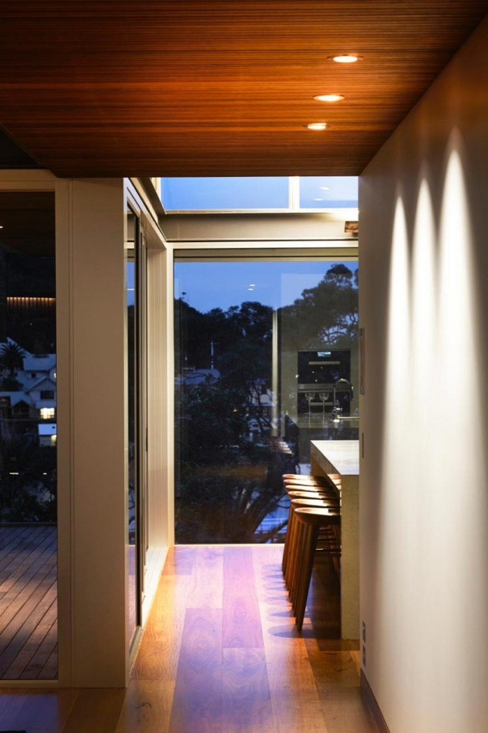jodies-house-set-dramatic-steeply-sloping-site-views-beach-casey-brown-architects-12