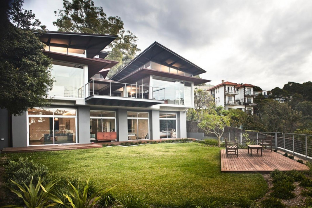 Jodieu0027s House Set On A Dramatic Steeply Sloping Site With Views Over The  Beach By Casey