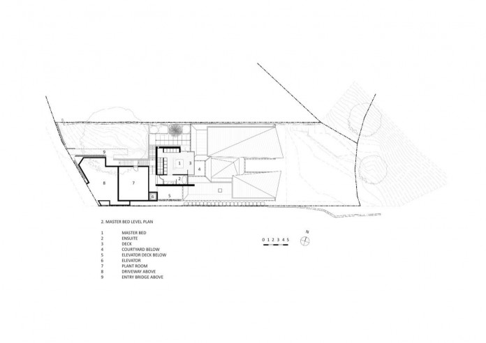 jodies-house-set-dramatic-steeply-sloping-site-views-beach-casey-brown-architects-23
