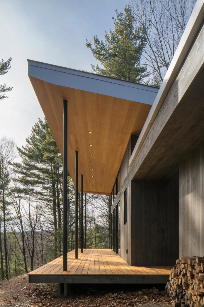 lantern-ridge-house-perched-top-wooded-knoll-hudson-valley-studio-mm-architect-04
